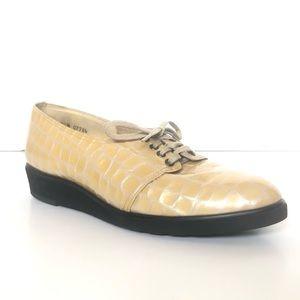Vintage 1970s Shoes Patent Leather Crocodile